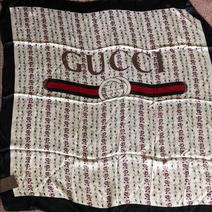 Gucci scarf